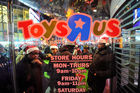Comment des financiers et Amazon ont coulé Toys R Us